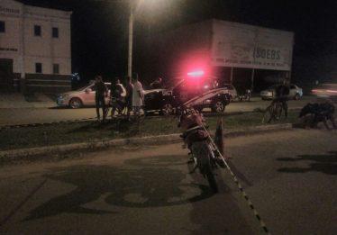 Motociclista morre após colidir com poste no Jardins do Cerrado 3