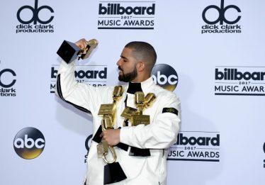 Drake bate recorde de vitórias em prêmio da Billboard
