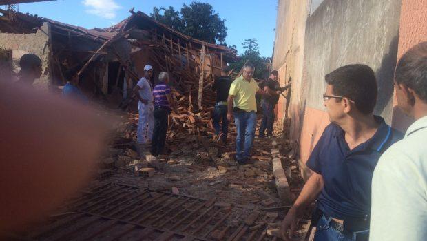 Após explosão, detentos fogem do presídio de Guapó