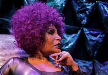 """Elza Soares:  """"vou continuar falando do racismo, da homofobia, da fome,…"""""""