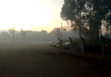 PRF faz alerta sobre queima de detritos próximo à pista da BR-153, em Jaraguá