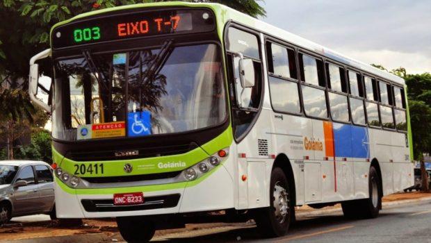 Trabalhadores do transporte coletivo de Goiânia aprovam greve para o dia 15