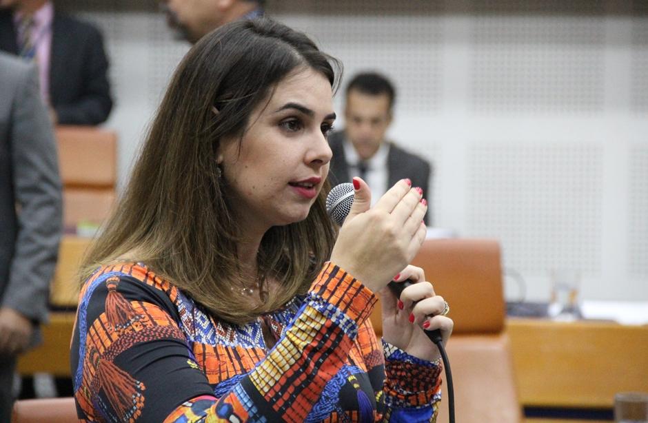 Projeto de lei propõe mudança na forma de cobrar por estacionamento em Goiânia