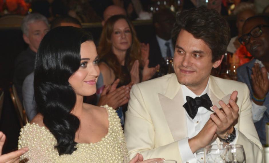 Katy Perry faz comentário em português em foto de John Mayer