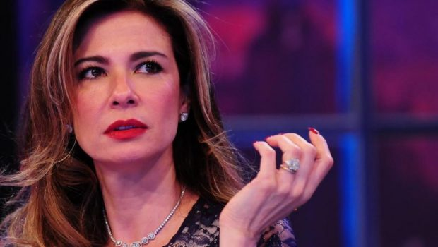 Luciana Gimenez usa 'senzala' para se referir a espaço de trabalho de empregados