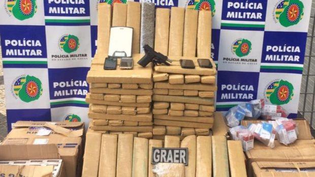 PM apreende 100 kg de maconha e 16 mil carteiras de cigarros contrabandeados, em Aparecida de Goiânia