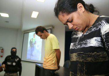 """Mãe suspeita de mandar matar criança """"não suportava mais o filho"""", diz delegado"""