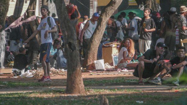 Dobra número de usuários de crack na Praça Princesa Isabel, Centro de São Paulo