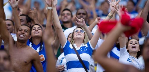 Mulheres de 11 estados se reúnem para discutir presença feminina nos estádios