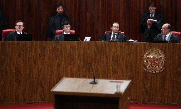 TSE rejeita mais uma questão preliminar; julgamento da chapa Dilma-Temer será retomado amanhã às 9h