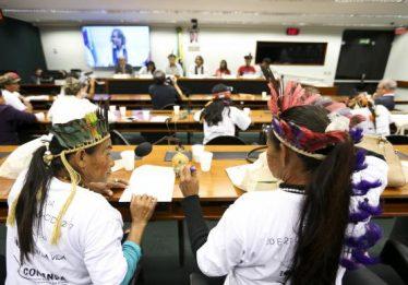 Jovens índios denunciam na Câmara violação de direitos contra os Guarani Kaiowá