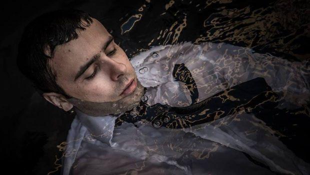 Beto Cupertino lança álbum solo Tudo Arbitrário