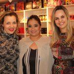A empresária Renata Arantes e a jornalista Flavia Teodoro foram recebidas pela empresária Liliane Evangelista, ao centro.