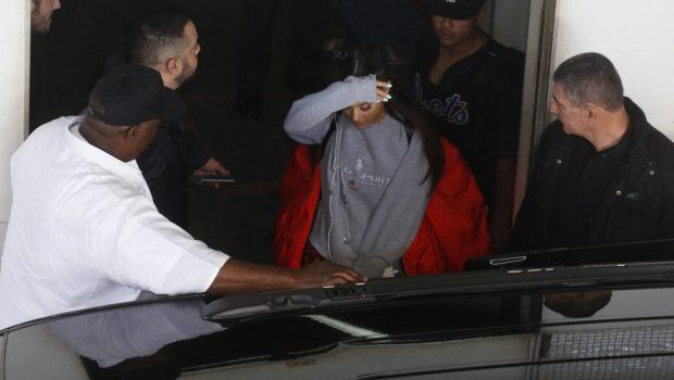 Ariana Grande chega ao Brasil e deixa fãs ansiosos pelos shows