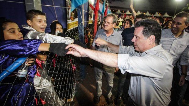 """""""As Cavalhadas de Palmeiras resgatam meu lado menino e a infância feliz que tive aqui"""", diz Marconi"""