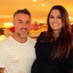 Os empresários Gustavo Rossetti e Candice Fragoso foram conhecer a nova Encanti Festas.