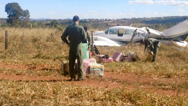 Piloto de avião interceptado com mais de 500 quilos de cocaína é preso em Itapirapuã
