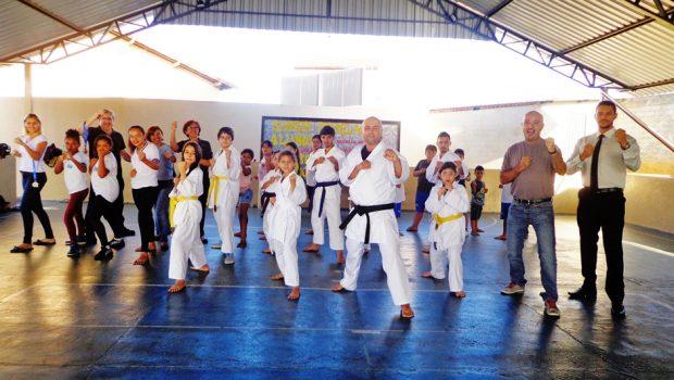 Alunos da rede municipal de Caldas Novas são destaques em competição de Karatê