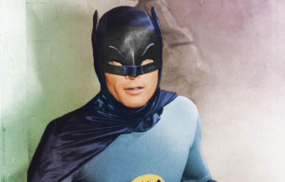 Morre Adam West, ator que interpretou Batman na TV