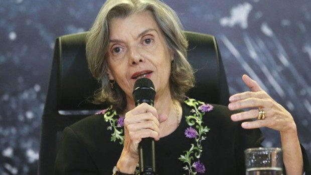 """""""Todo ser humano é maior do que seu erro"""", diz Cármen Lúcia sobre presos no país"""