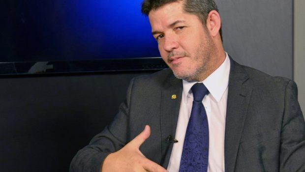 Delegado Waldir e Thiago Peixoto são os deputados federais goianos mais influentes nas redes sociais