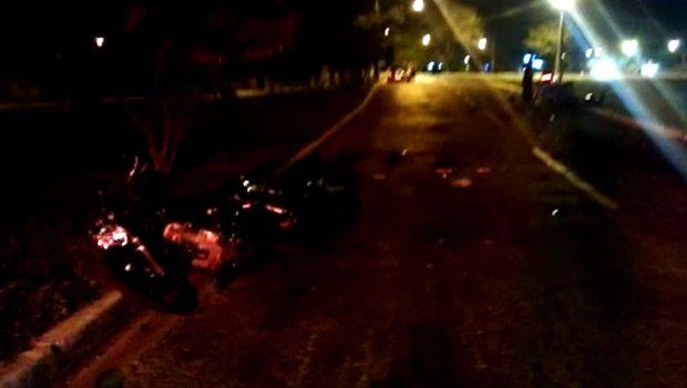 Motociclistas ficam feridos em acidente na Vila Mutirão
