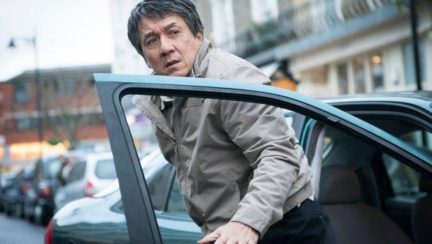 Jackie Chan revela agressões ao filho, traição e que 'dirigia bêbado o tempo todo'