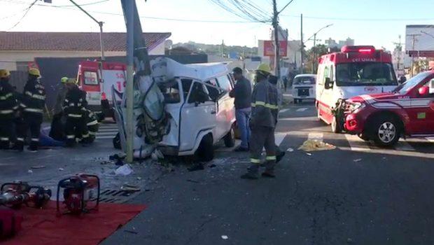 Morre passageiro de kombi que colidiu contra poste no Setor Sul