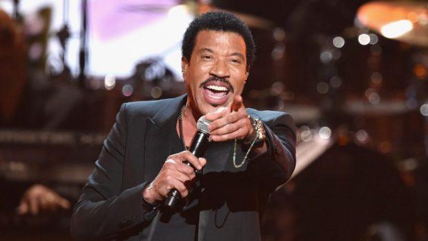 Lionel Richie poderá ser jurado em nova versão de 'American Idol'