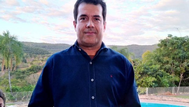 André Trigueiro lança livro Cidades e Soluções durante o 19º Fica