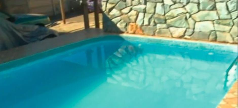 Criança de 1 ano e 6 meses que caiu em piscina está internada em estado grave, em Goiânia