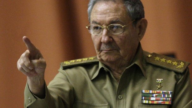 Cuba convoca para outubro eleições prévias à substituição presidencial