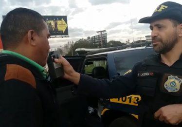 Condutor sem habilitação é preso embriagado na BR-060, em Rio Verde