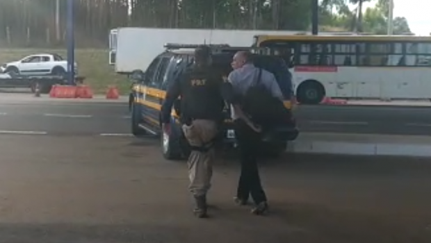 Idoso é preso com CNH falsa na BR-060, em Anápolis