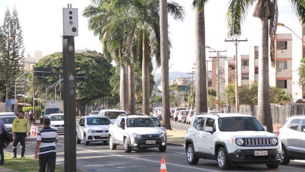 Primeiros medidores eletrônicos de velocidade são instalados em Goiânia