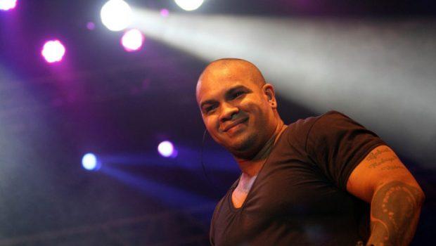 Ex-empresária de Rodriguinho, cantor dos Travessos, cobra dívida de R$ 1,8 milhão na Justiça