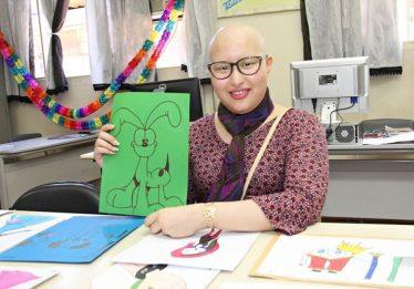 Aluna encontra no desenho a motivação para lutar contra o câncer