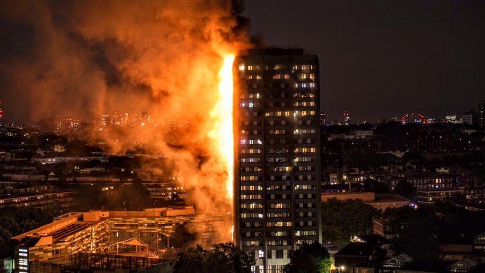Resultado de imagem para Aumenta para 17 o número de mortes em incêndio que destruiu prédio em Londres
