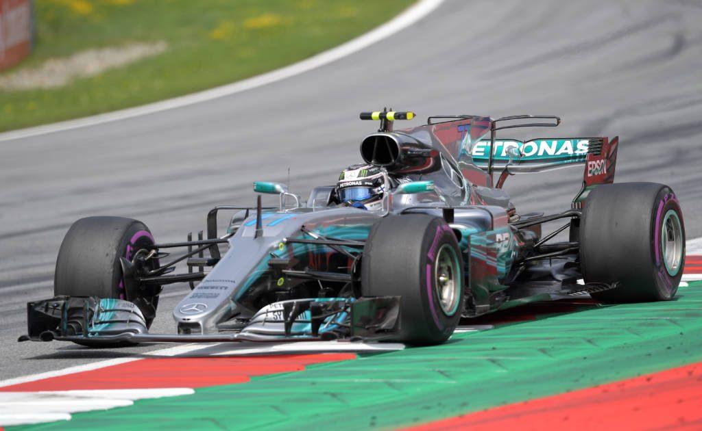 Bottas vence na Áustria e Vettel amplia liderança na F1
