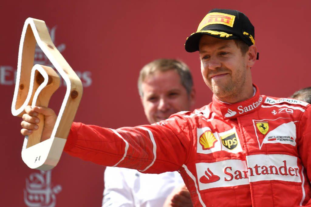 Vettel crê que ultrapassaria Bottas se a corrida tivesse mais uma volta