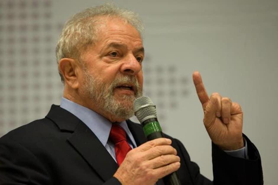 Sem provas, condenação é perseguição política, diz defesa de Lula