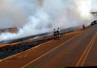 Criança e adolescente morrem após veículo cair em canavial em chamas, próximo a Santa Helena