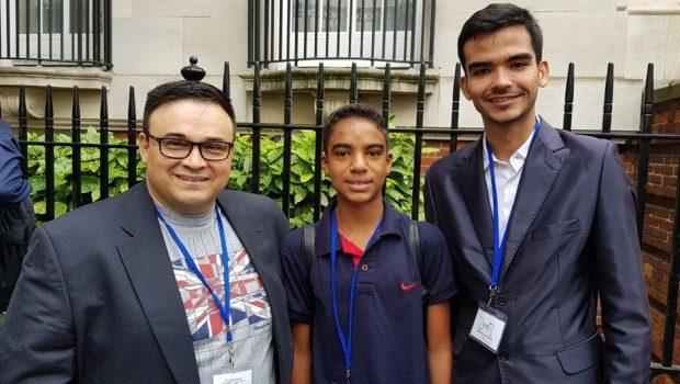 Aluno da rede estadual apresenta projeto científico em Fórum internacional de Londres