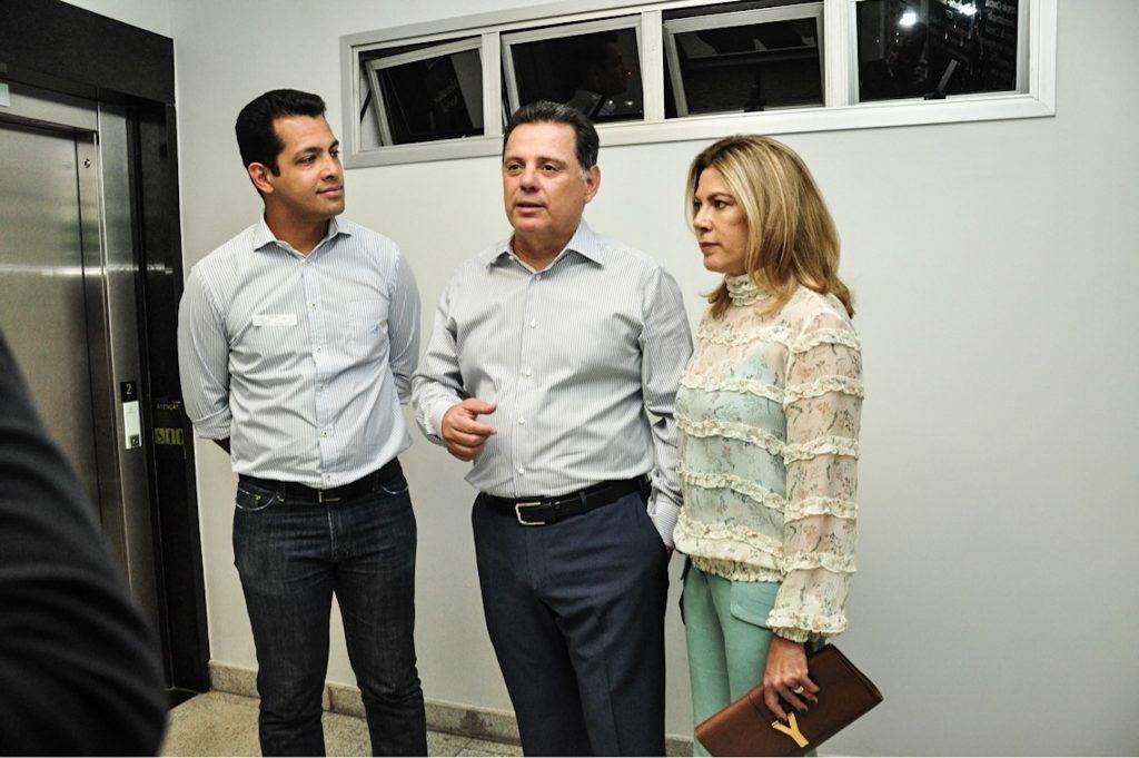 Marconi visita Nion Albernaz e se diz contente com notícia de que ex-prefeito receberá alta na quarta-feira