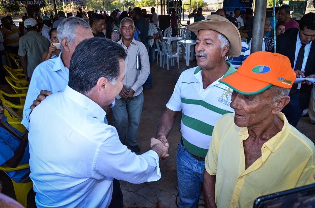 Governo anuncia obras no Nordeste Goiano e autoriza mais de R$ 3 milhões para Flores de Goiás