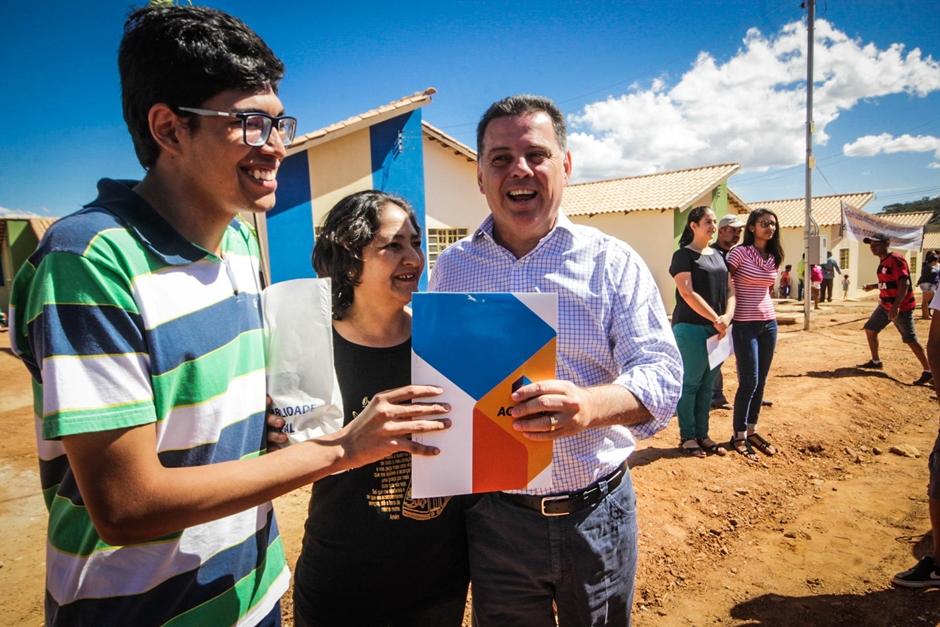 Marconi destina R$ 607 milhões para moradia popular em 52 municípios