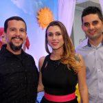 O Vj Xavier Lima, a cantora Luciana Flath e o empresário Braulio Moraes no evento de inauguração da Forma Festa Kids.