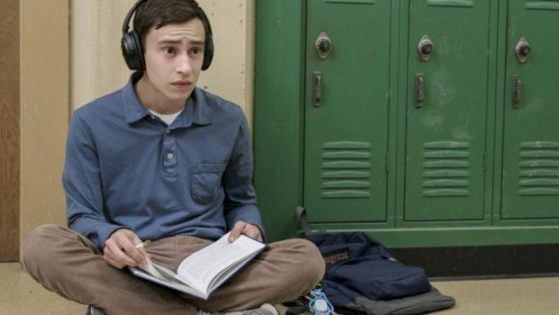 Netflix apresenta trailer de 'Atypical', série sobre jovem autista