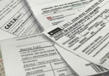 Boletos vencidos acima de R$ 800 já podem ser pagos em qualquer banco