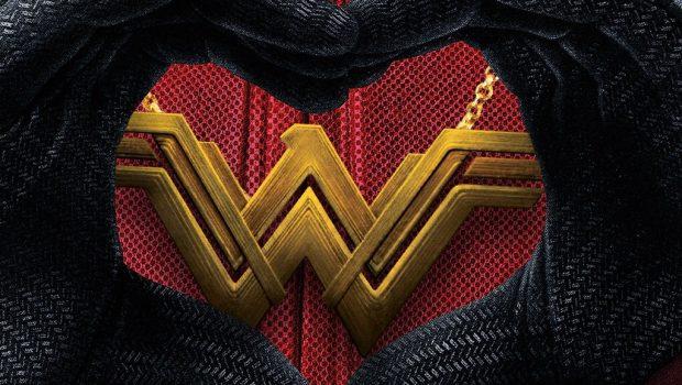 Mulher-Maravilha supera Deadpool nos EUA e personagem responde